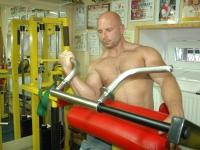 Mariusz Grochowski: profesjonalne podejście do bicepsa